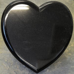8-heart-shaped-plaque-with-rounded-edges-in-black-granite